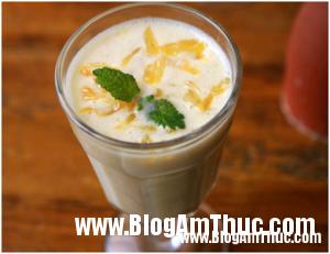 Cách làm Sữa chua chuối bưởi ngon miệng đẹp da 1 300x231 Sữa chua chuối bưởi ngon ngọt và mát lành cho ngày hè
