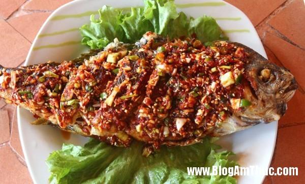 11 Cá chép chiên sốt chua cay