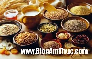 7c2ef1ngucoc2a82351 300x194 Những loại thực phẩm giảm rụng tóc vào mùa đông