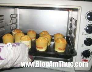 Muffin 7 20120908100946 lgghkv9ff2 300x237 Làm bánh Muffin thơm ngon tại nhà