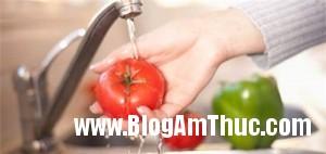 cachluachonvaruaraucutuoideloaikysinhtrung ffba7 300x142 Cách lựa chọn rau củ quả phù hợp tiêu chuẩn an toàn vệ sinh thực phẩm