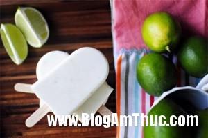 hoccachlamkemhoaquadonmuahetoi a915a 300x200 Tự làm kem hoa quả thật ngon để đối phó với mùa hè