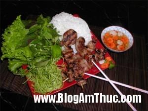 huongvihanoitaisaigon 3a4fc 300x225 Hương vị Hà Nội giữa lòng Sài Gòn