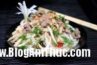 medium cach lam mang tuoi tron thit bo1 Măng tươi trộn thịt bò
