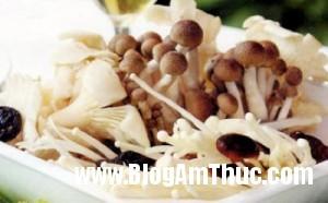 nam1 300x186 Bí quyết nấu canh với nấm