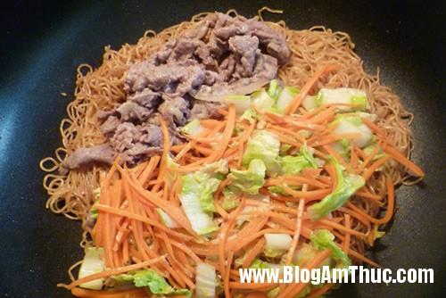 p10404001 Mỳ xào thịt bò hương vị Trung Hoa