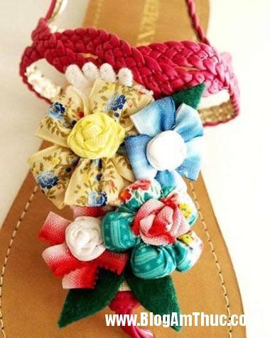 670 Khéo tay trang trí hoa cho đôi sandal