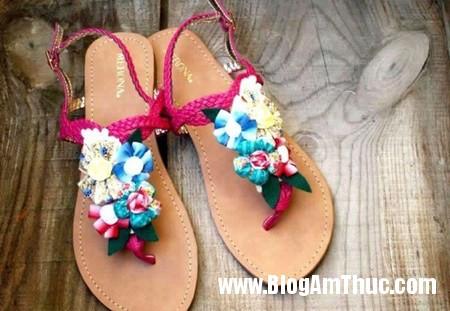 763 Khéo tay trang trí hoa cho đôi sandal
