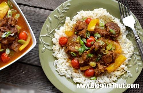 CoconutBeef 1315 1387277539 Thịt bò hầm nước cốt dừa