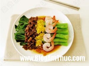 Rau cải trộn tôm trứng muối ngon 300x222 Rau cải trộn tôm trứng
