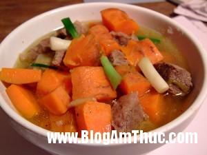 thit bo nau ca rot 300x225 Món thịt bò hầm cà rốt