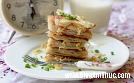 138 Ăn nhẹ buổi sáng với món bánh hành