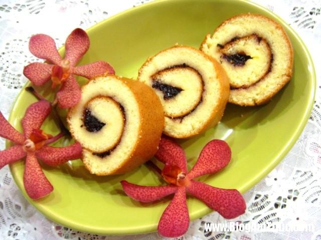 Cach lam banh bong lan cuon don gian nhat 1 Cách làm bánh bông lan cuộn đơn giản nhất