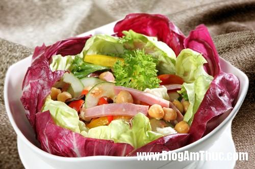 Salad thit nguoi 1 6974 1394699550 Ngon miệng với 3 món salad ngày nóng