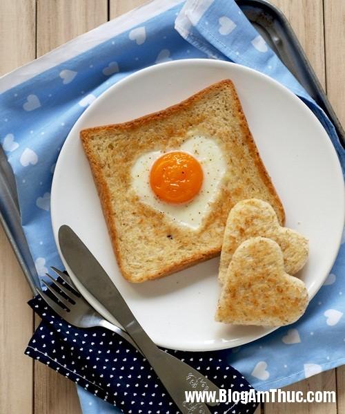 banh mi trung trai tim cho bua sang ngot ngao 7 Đẹp mắt với bánh mỳ trứng trái tim
