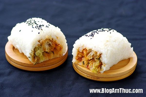 com cuon la mieng hap dan cho bua sang dau tuan 1 Chút biến tấu với món cơm cuộn