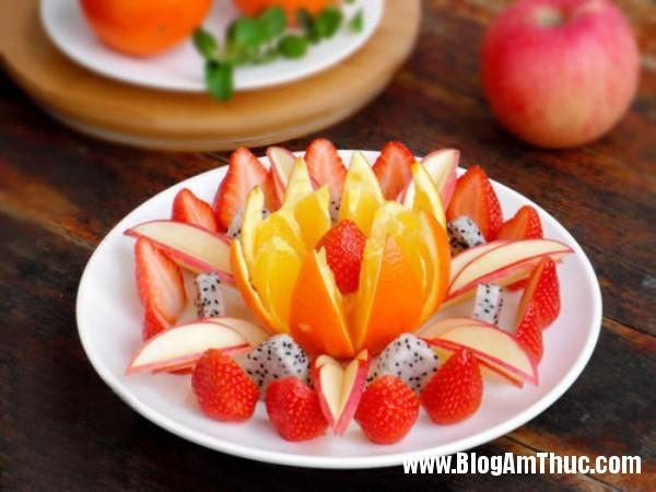 huong dan cach bay hoa qua hap dan va dep mat 7 Cách xếp trái cây ra dĩa hấp dẫn và đẹp mắt
