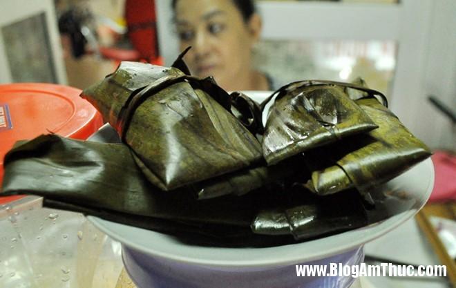 12banhcan Địa chỉ ăn bánh căn, xôi chuối nướng ngon mà rẻ ở Hà Nội