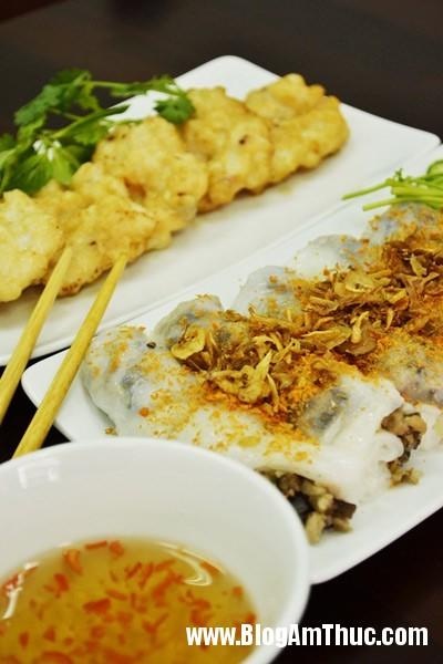 1398391627banhcuonchamucdocdaoosaigon1 Những quán bánh cuốn ngon nổi tiếng ở Sài Gòn
