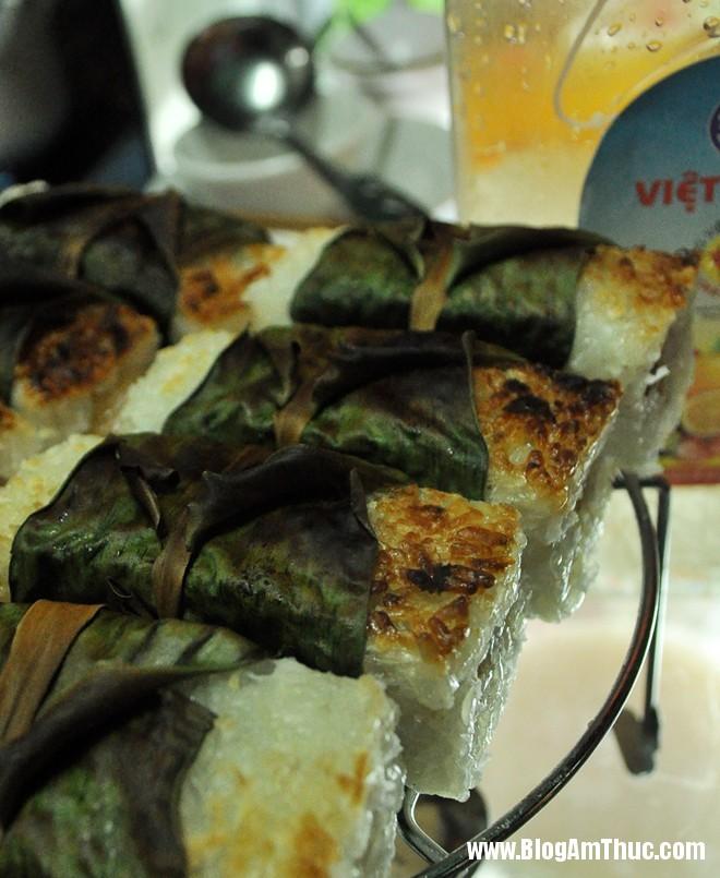 2chechuoinuong Địa chỉ ăn bánh căn, xôi chuối nướng ngon mà rẻ ở Hà Nội