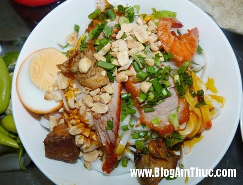 4 24 Mộc mạc mì quảng ngon ở Đà Nẵng