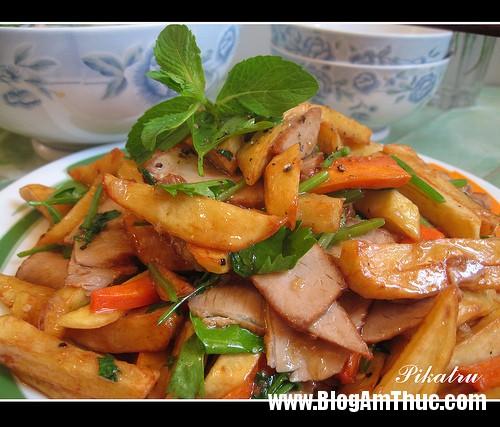 4664552132 94b63f712c1  Món ăn thịt và khoai tây sốt chua ngọt