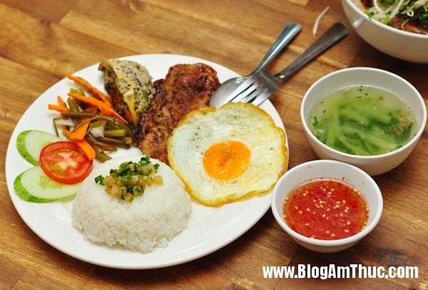 5comtam Ăn bún thịt nướng cơm tấm Sài Gòn ngon tại Hà Nội