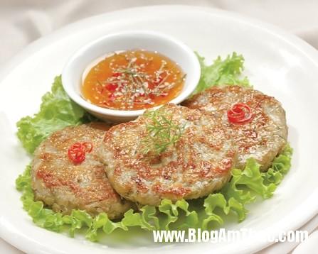 banh ca chien gion 47aq5511 Bữa cơm gia đình thêm ngon với bánh cá chiên