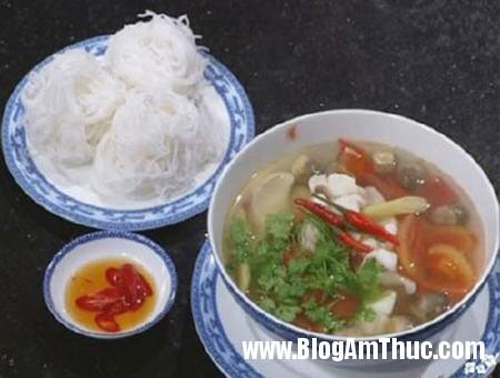 canhhaisan1 Hấp dẫn canh hải sản nấu sả