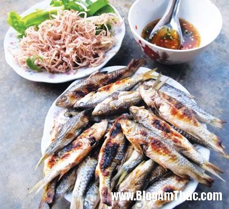 catrichhuynhdequan2 1 Thưởng thức cá trích nướng ở quán đặc sản xứ Nghệ