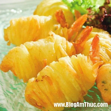 images656235 tomcuon Cách làm tôm cuộn khoai tây chiên