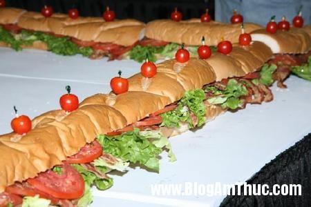 kylucbanh1 n Chiếc bánh sandwich dài nhất thế giới