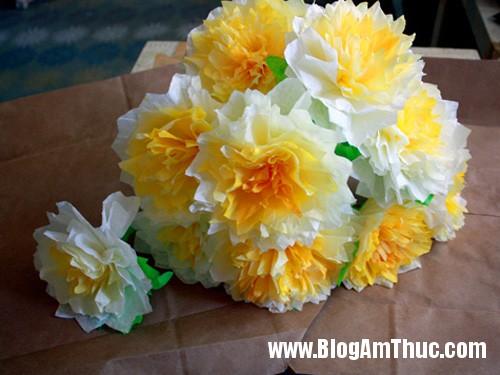 1396488980 3 Tự làm những bông hoa mẫu đơn dễ thương từ giấy