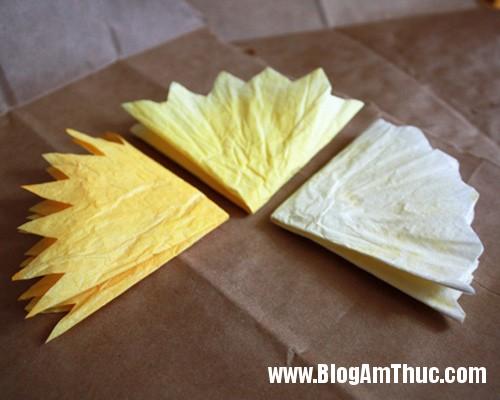 1396488980 6 Tự làm những bông hoa mẫu đơn dễ thương từ giấy