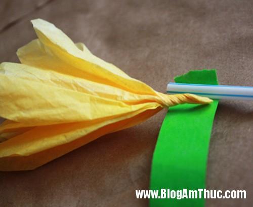 1396488980 8 Tự làm những bông hoa mẫu đơn dễ thương từ giấy