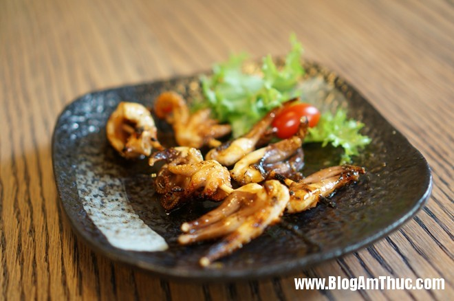 3Bach Tuoc Nuong Đến nhà hàng Nhật YummyQ thưởng thức món nướng siêu rẻ