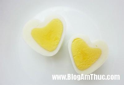 Anh7 9713 1406690548 Cách tạo hình trái tim cho trứng cực đơn giản