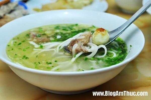 banh beo mien trung be xiu xiu o nguyen khang5 Đi ăn bánh bèo miền Trung bé xíu trên phố Nguyễn Khang