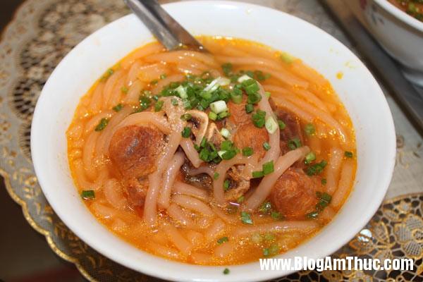 banh canh 1 6856 1407291930 Những quán ăn sáng ngon ở Sài Gòn