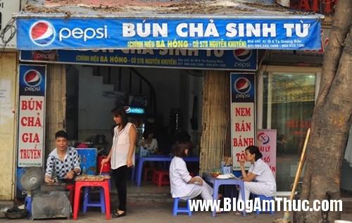 bun cha sinh tu ngon re o khu sinh vien Ăn bún chả ngon rẻ phố Nguyễn Khuyến