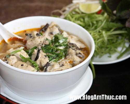 bun moc1 Những địa chỉ ăn sáng nổi tiếng ở Hà Nội