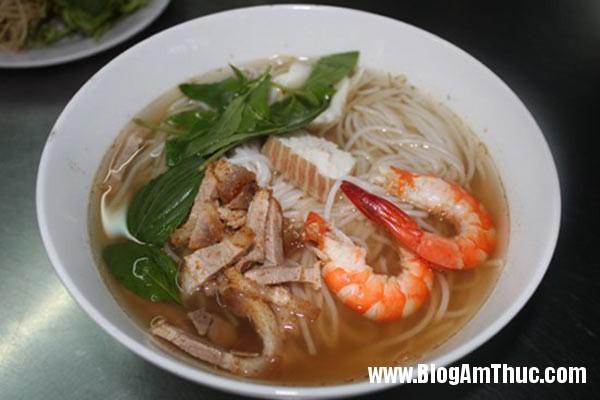 bun nuoc leo 1 7724 1407291930 Những quán ăn sáng ngon ở Sài Gòn