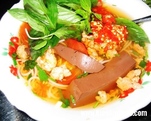 bunrieu Những địa chỉ ăn uống chảnh mà vẫn đắt khách ở Sài Gòn