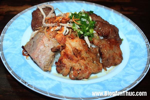 com tam 1 7960 1407291929 Những quán ăn sáng ngon ở Sài Gòn