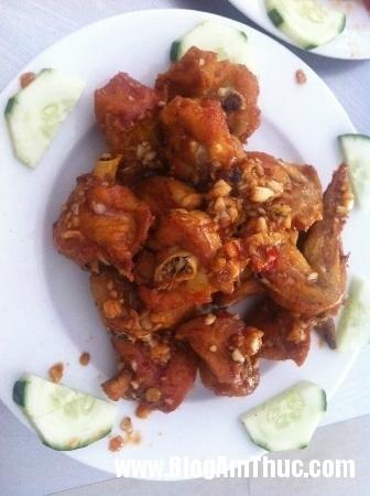 hai san ba thoi 6 Địa chỉ ăn hải sản tươi ngon khi đi du lịch Đà Nẵng