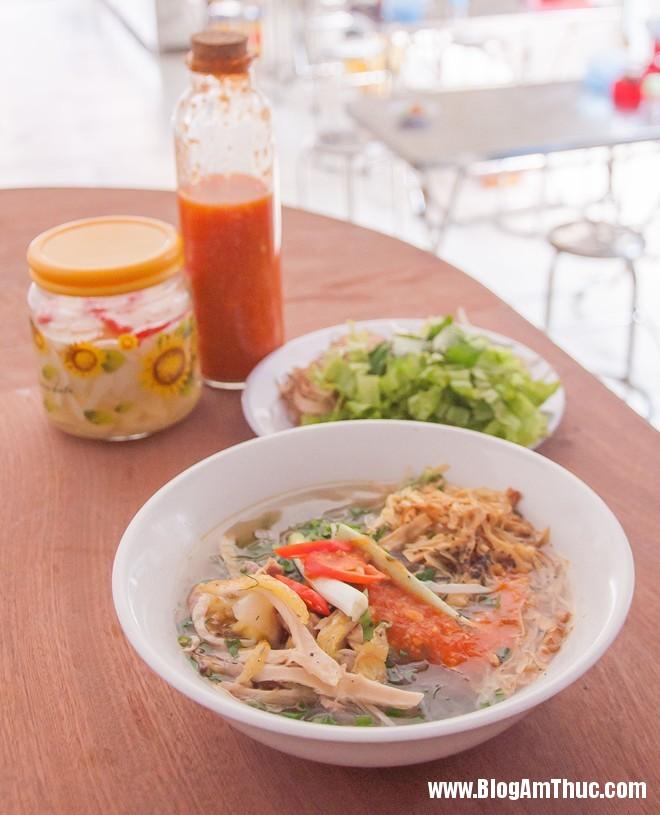 mien ga 1 Đi ăn xôi xéo ngon ở Sài Gòn