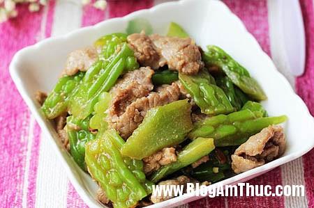 muopdang1 Cách chế biến món mướp đắng xào thịt bò