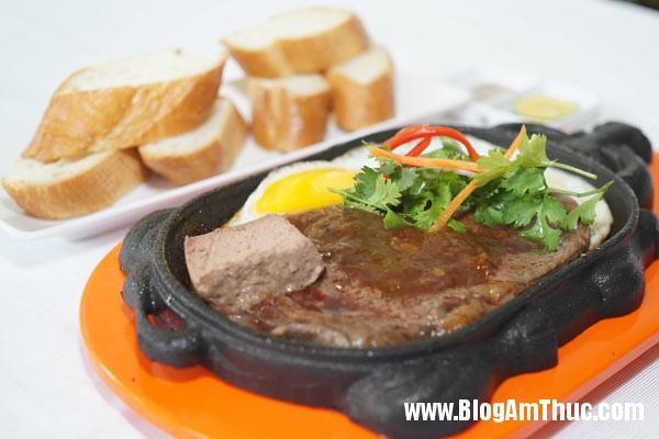 nhung quan bo bit tet an la ghien o sai gon2 Những địa chỉ ăn bò bít tết ngon ở Sài Gòn