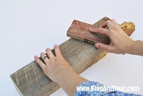 1403109959 4 Chiếc lọ hoa độc đáo được làm từ gỗ và ống nghiệm
