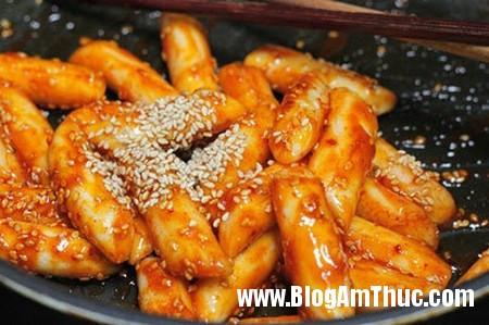 Banh gao kieu Han Quoc ngon tuyet 6 Làm bánh gạo kiểu Hàn Quốc cực đơn giản